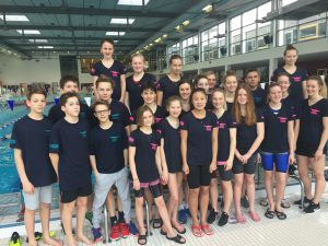 Schwimmer-Frauen gewinnen Bezirksliga Weser-Ems