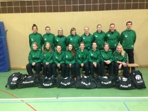 PSV-Damen freuen sich über neue Sporttaschen