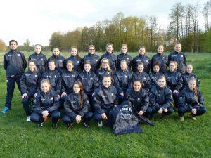 PSV-Damen freuen sich über neue Regenjacken
