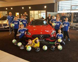 ++ Mercedes-Benz • Senger unterstützt die Jugendabteilung des Polizei SV Oldenburg