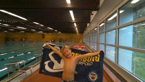 Wasserballtalent Jakob Bulling behauptet sich bei Kadersichtung