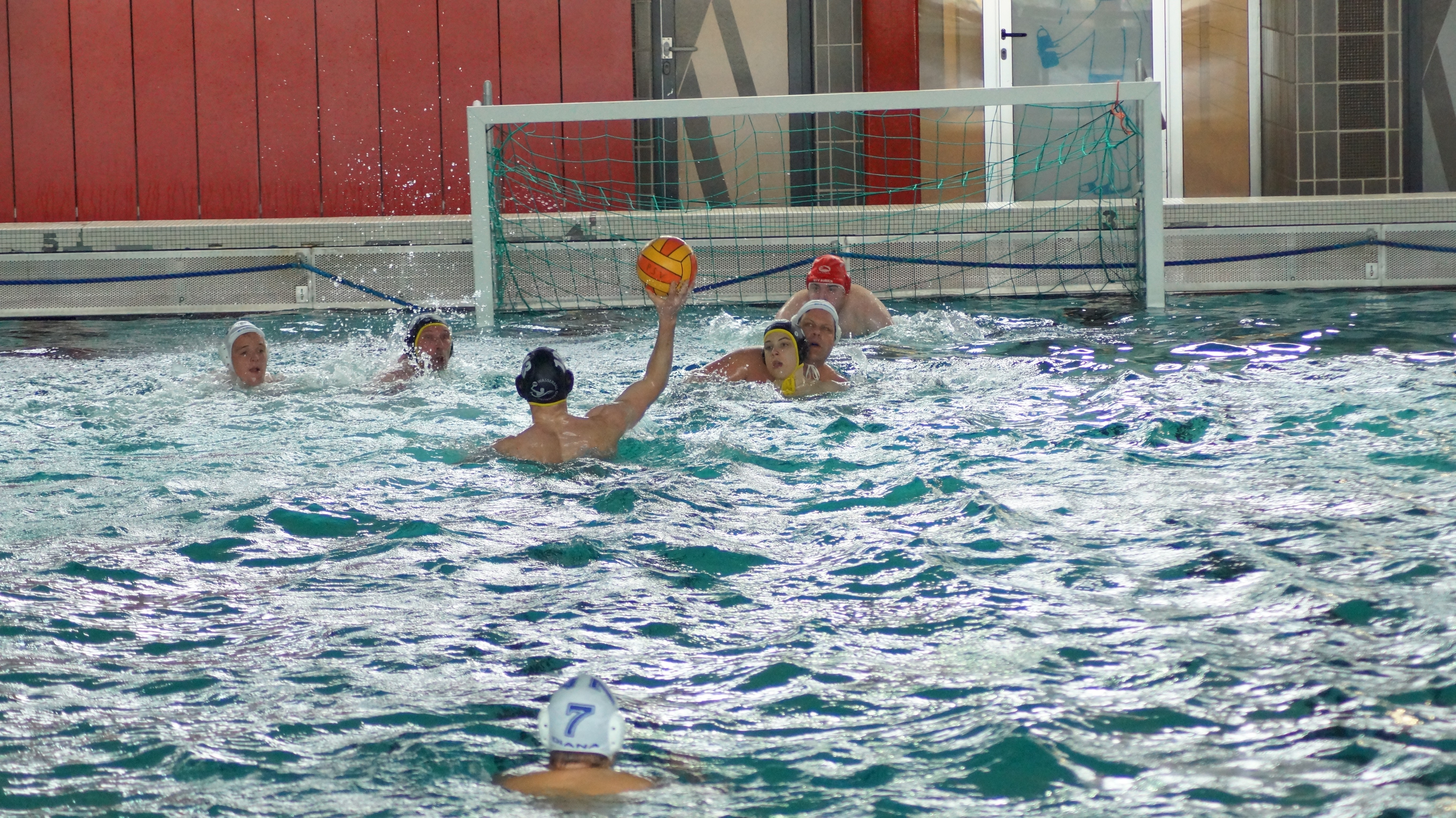 Wasserballer Starten Mit Zwei Siegen In Die Saison